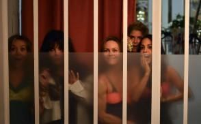 Sous les jupes des filles (2014) - Sylvie Testud, Alice Belaïdi, Laetitia Casta, Alice Taglioni, Isabelle Adjani
