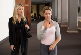 Scary Movie 5 (2013) - Heather Locklear, Ashley Tisdale