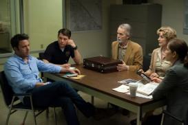 Gone Girl (2015) - Ben Affleck, Lisa Banes, Patrick Fugit, David Clennon, Kim Dickens