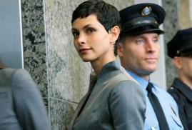 V (2009) S01 E01 - Morena Baccarin