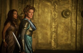 Thor: The Dark World (2013) - Natalie Portman, Rene Russo