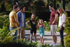 Funny People (2009) - Eric Bana, Maude Apatow, Adam Sandler, Iris Apatow, Leslie Mann, Seth Rogen