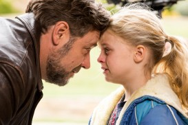 Fathers and Daughters (2015) - Russell Crowe, Kylie Rogers