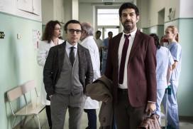 Moglie e marit (2017) - Valerio Aprea, Pierfrancesco Favino